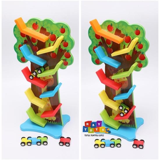 Copacul-cu-fructe-si-Pista-raliu-cu-masinute-din-lemn.jpg