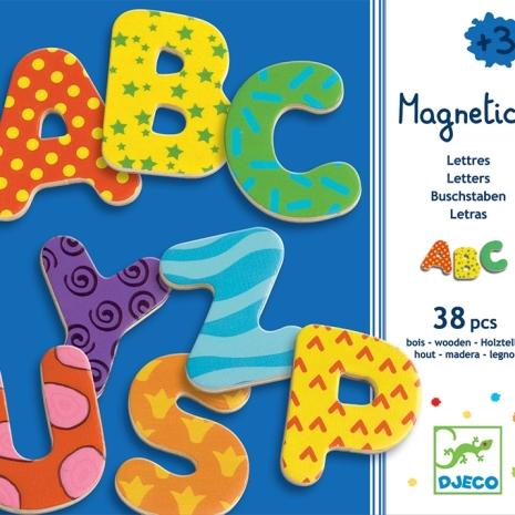 litere-magnetice-din-lemn-vesele-djeco2