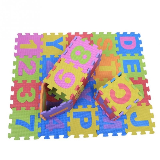 Covoras-puzzle-litere-si-cifre-15x15cm-spuma-36pcs.jpeg