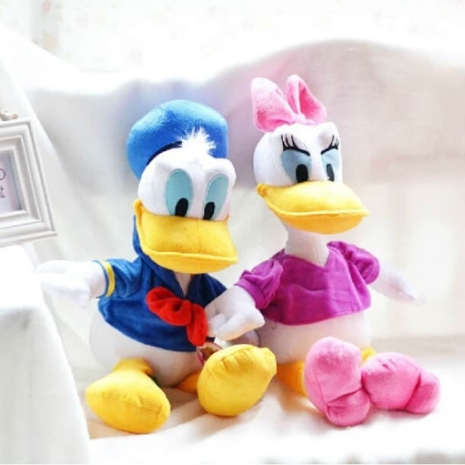 Set-Donald-si-Daisy-Duck-din-plus.jpg