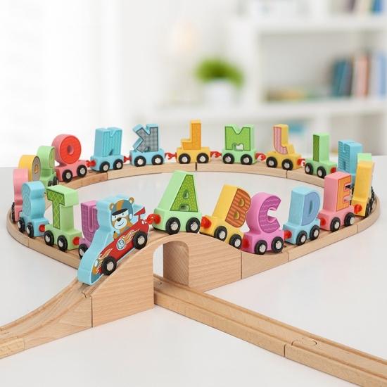 Trenulet din lemn copii cu literele alfabetului Cartoon