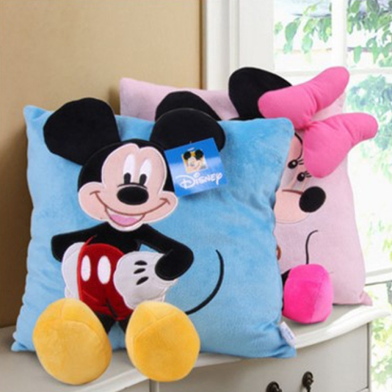 Set pernute din plus 3D Minnie si Mickey Mouse