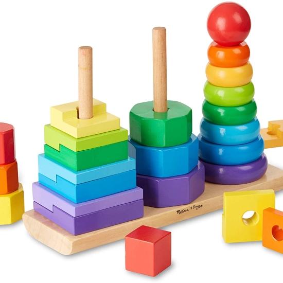 Jucarie de sortare geometrica Turn piramida din lemn