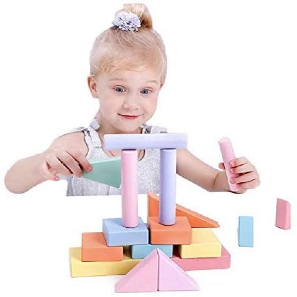Carucior-de-tras-cu-cuburi-constructie-lemn-Onshine6.jpg