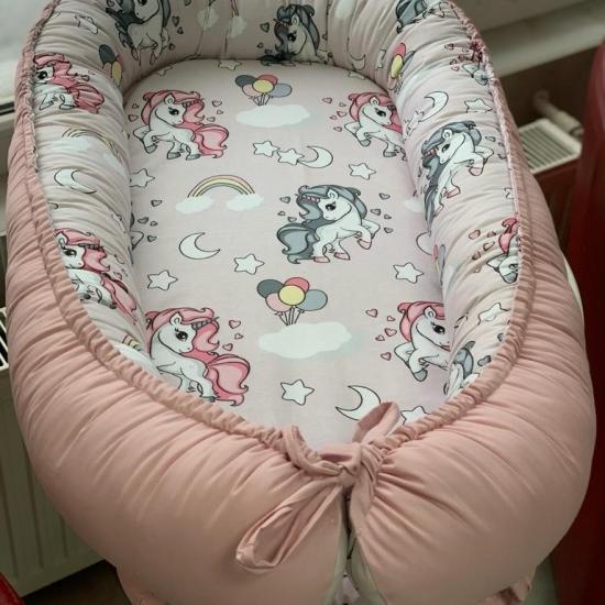Cosulet-bebelusi-Unicorn-pentru-somn-relaxant-Baby-Nest-1.jpg