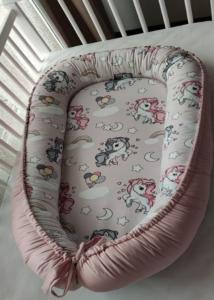Cosulet-bebelusi-Unicorn-pentru-somn-relaxant-Baby-Nest.jpg