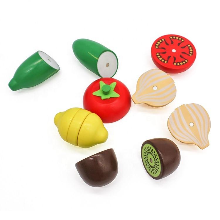 Fructe-si-legume-lemn-la-Ladita-cu-accesorii-de-taiat.jpg