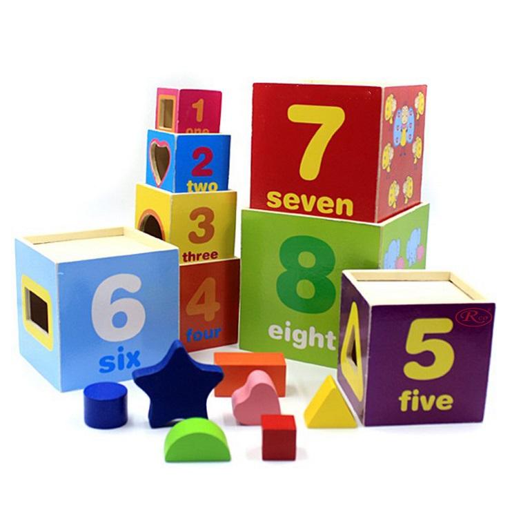 Piramida-cu-cuburi-din-lemn-Turn-cu-cifre-forme-si-animale.jpg