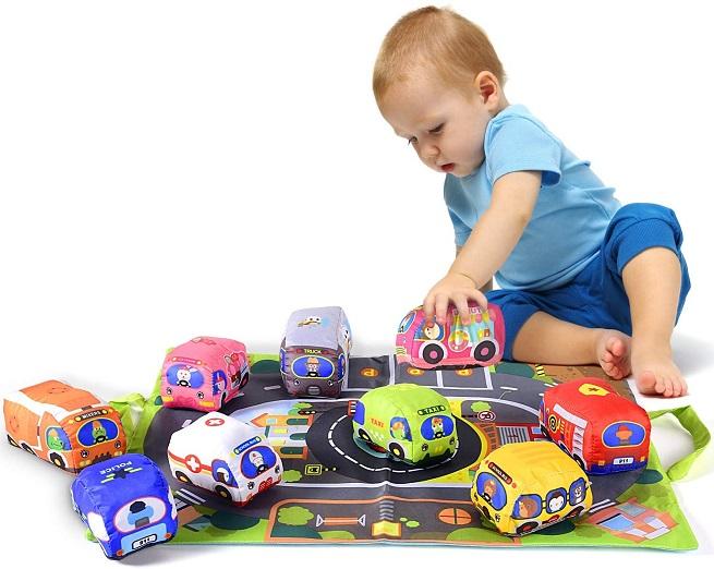 Set 6 masini jucarii cu covor de joaca si gentuta copii