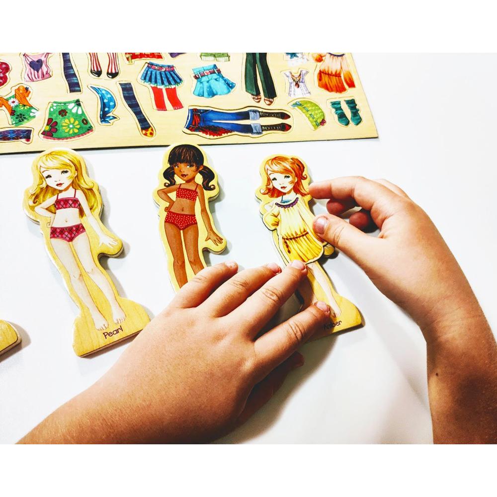 Joc puzzle magnetic cu haine Cum imbracam fetitele 63pcs