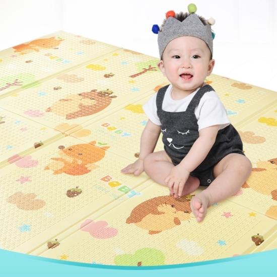 Covor joaca bebe Ursulet pliabil XPE cu 2 fete 150X200cm