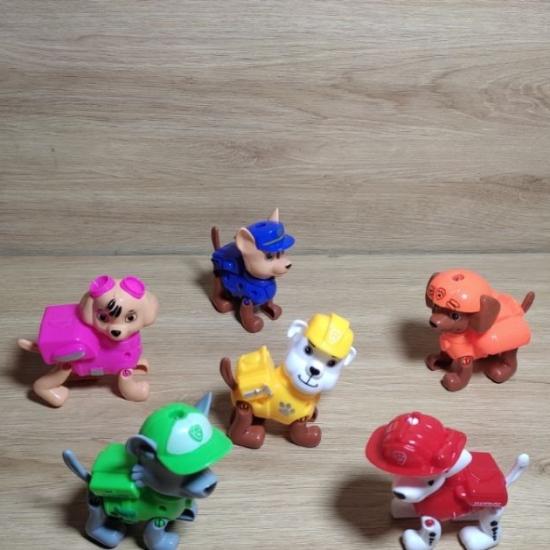 Set 6 figurine Paw Patrol Medalii si Osul de mestecat